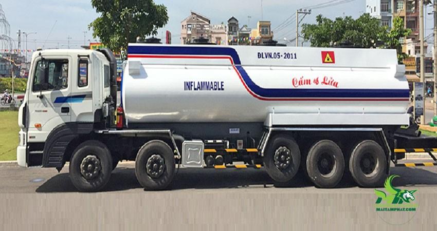 Xe chở xăng dầu không dừng ở nơi đông người