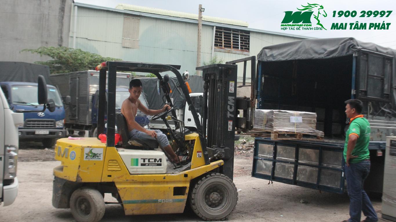 Hành trình xe chở hàng Hà Nội vào Sài Gòn